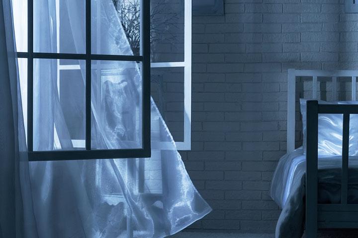 natte-handoek-voor-het-raam